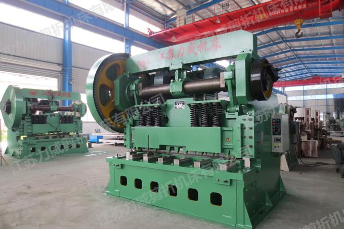 Q11-25X2500机械剪板机